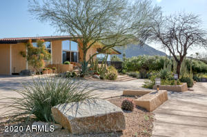 4516 E CLEARWATER Parkway, Paradise Valley, AZ 85253