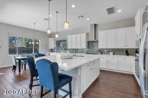 4615 E NAVIGATOR Lane, Phoenix, AZ 85050