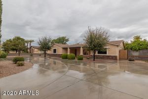 4546 W GELDING Drive, Glendale, AZ 85306