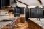 High end appliances, plenty of room