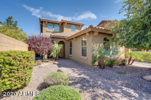 3023 S JOSHUA TREE Lane, Gilbert, AZ 85295