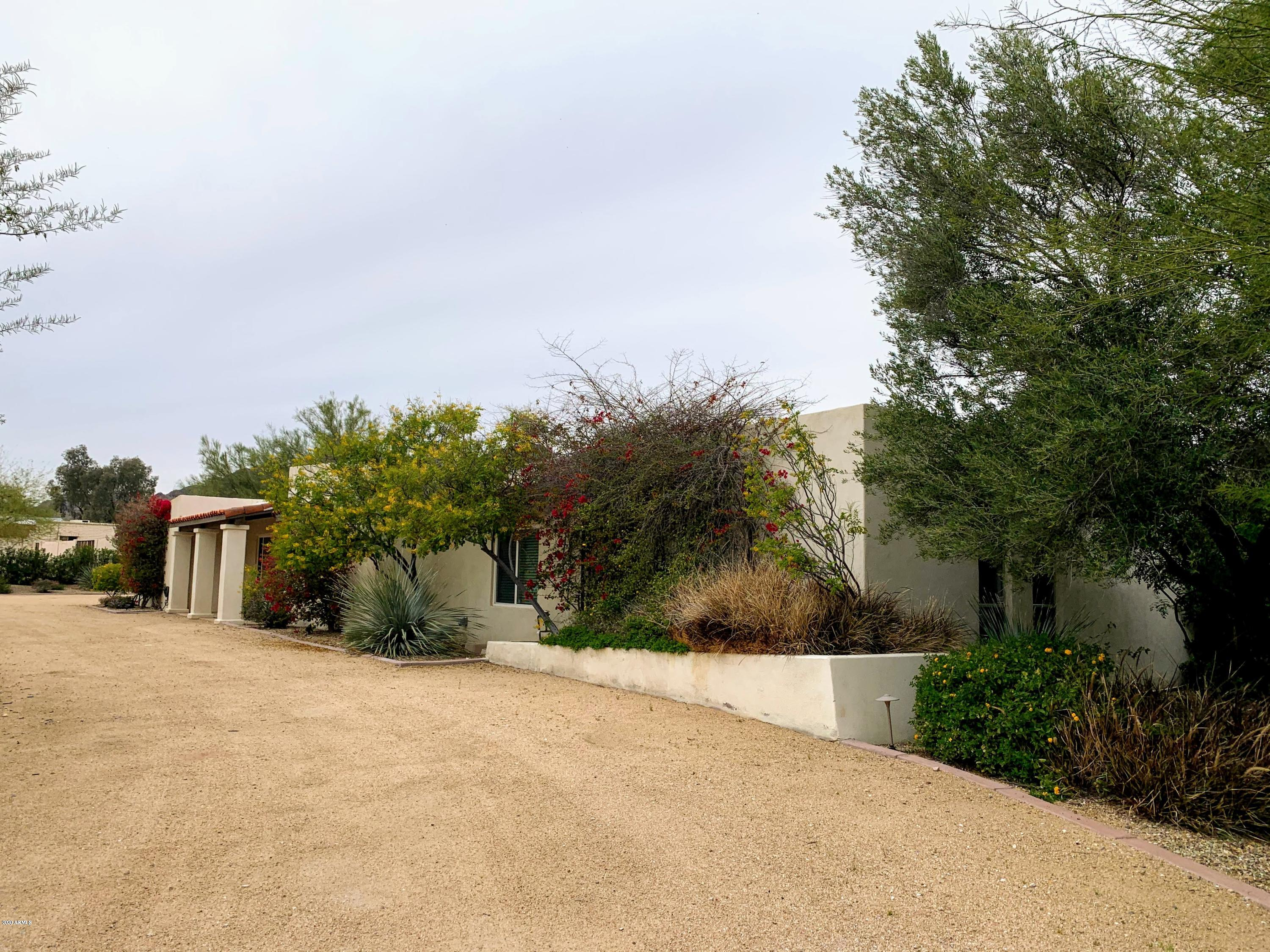Photo of 4726 E LINCOLN Drive, Paradise Valley, AZ 85253