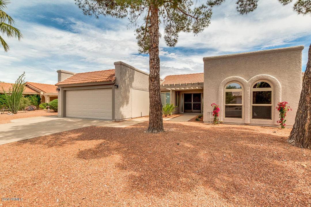 Photo of 26233 S GLENBURN Drive, Sun Lakes, AZ 85248