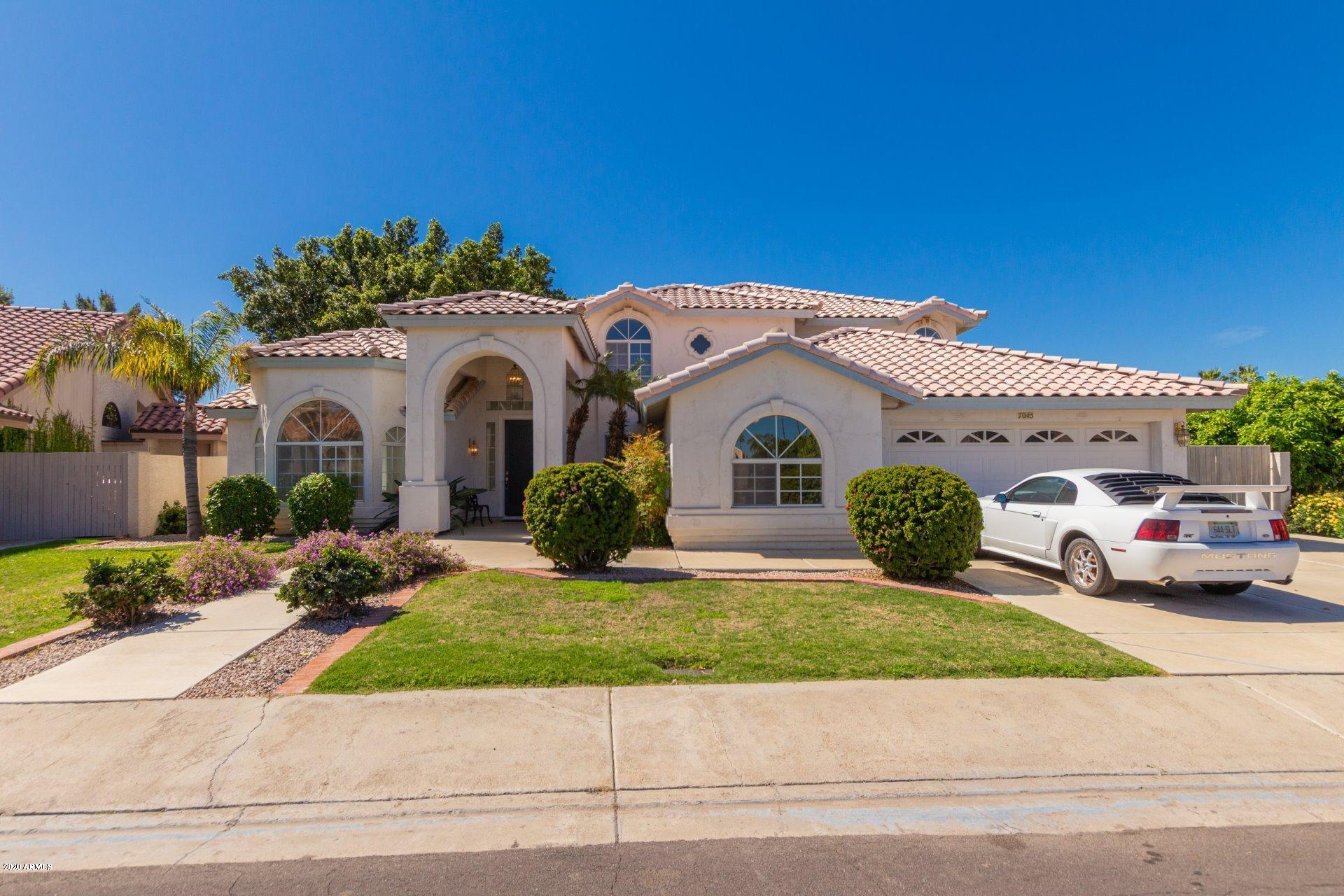 Photo of 7045 W KIMBERLY Way, Glendale, AZ 85308