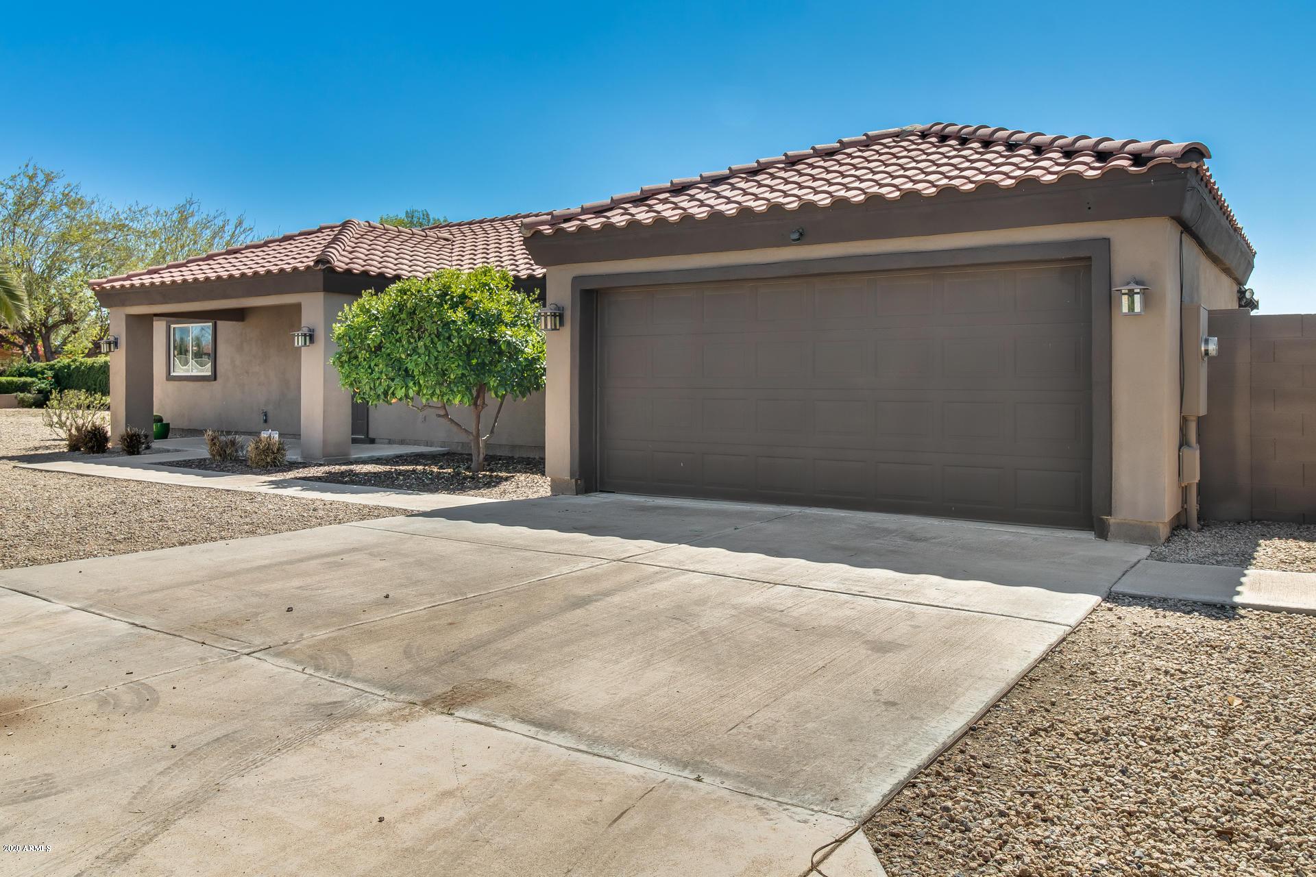 Photo of 12813 W VARNEY Road, El Mirage, AZ 85335