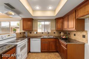 4601 W CONTINENTAL Drive, Glendale, AZ 85308