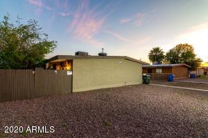 2201 W GLENROSA Avenue, Phoenix, AZ 85015
