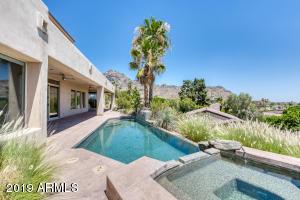 2040 E VISTA Avenue, Phoenix, AZ 85020