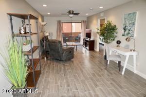 12222 N PARADISE VILLAGE Parkway S, 207, Phoenix, AZ 85032