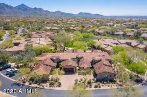 Scottsdale, Villas at DC Ranch, walk to Market Street, Gated, Community Pool, North Scottsdale, Community Center,Former model, gourmet kitchen, wood flooring, end unit, extra parking, low maintenance