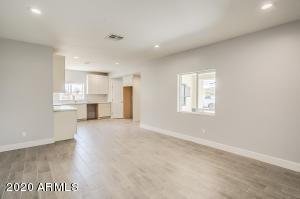 4633 S 2ND Street, Phoenix, AZ 85040