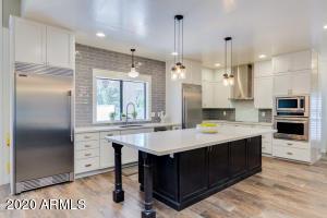 4053 E GLENCOVE Street, Mesa, AZ 85205
