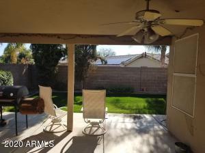 6823 W LOUISE Drive, Glendale, AZ 85310