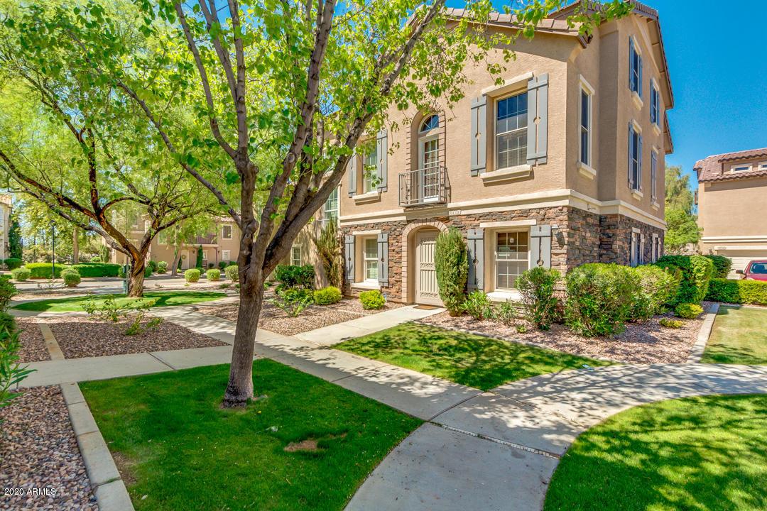 Photo of 5725 S 21ST Place, Phoenix, AZ 85040