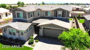13713 W HARVEST Avenue, Litchfield Park, AZ 85340