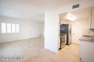 4615 E JONES Avenue, Phoenix, AZ 85040
