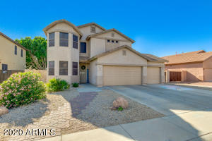 Beautiful 5 bed, 3 bath home with sparkling pool in the Terramar subdivision