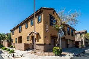 8175 W LYNWOOD Street, Phoenix, AZ 85043