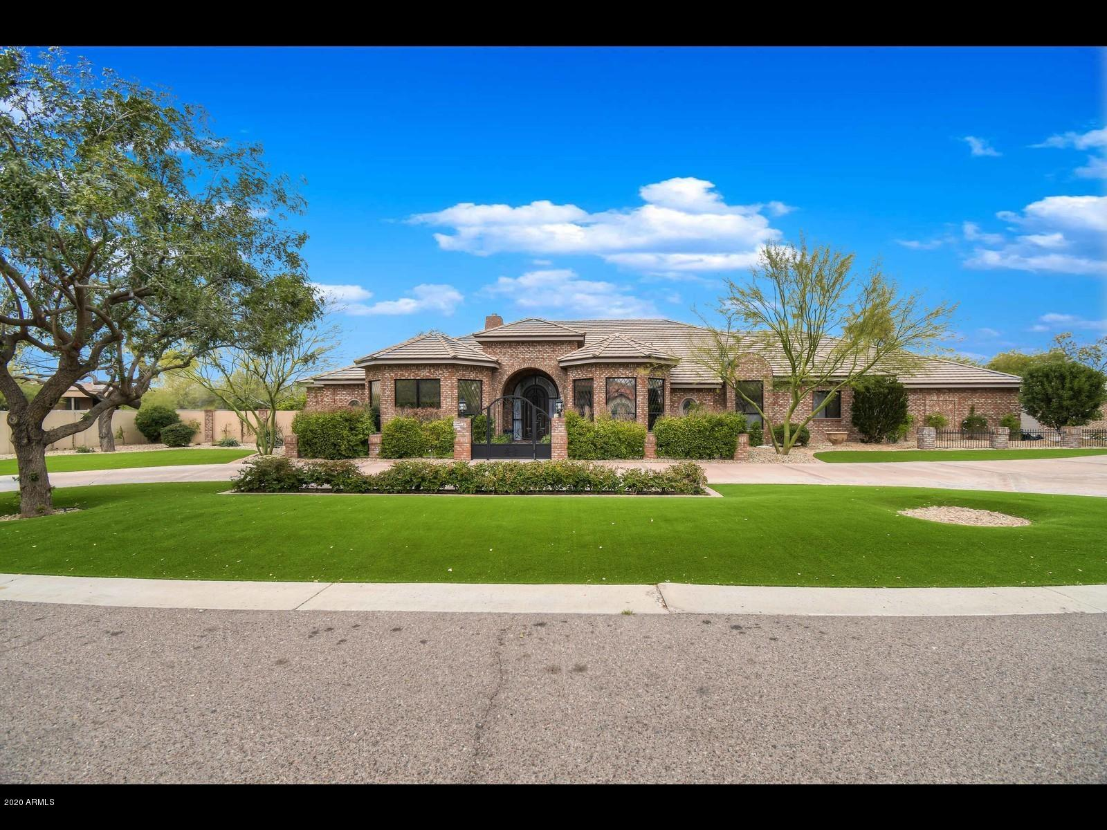 Photo of 6848 E MEADOWLARK Lane, Paradise Valley, AZ 85253
