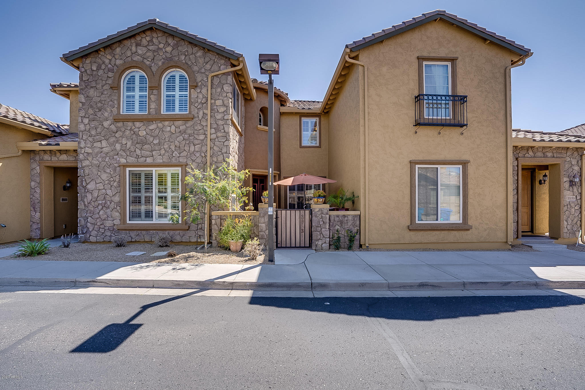 Photo of 3923 E CAT BALUE Drive, Phoenix, AZ 85050