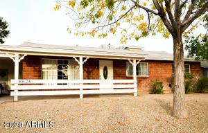 8526 E Pinchot Avenue, Scottsdale, AZ 85251