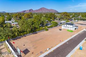 4030 E CAMPUS Drive, 3, Phoenix, AZ 85018