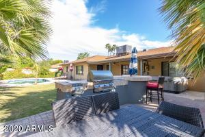 8110 E WINDSOR Avenue, Scottsdale, AZ 85257