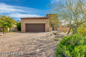 Lovely single-family home on end lot that provides great privacy and mountain views.