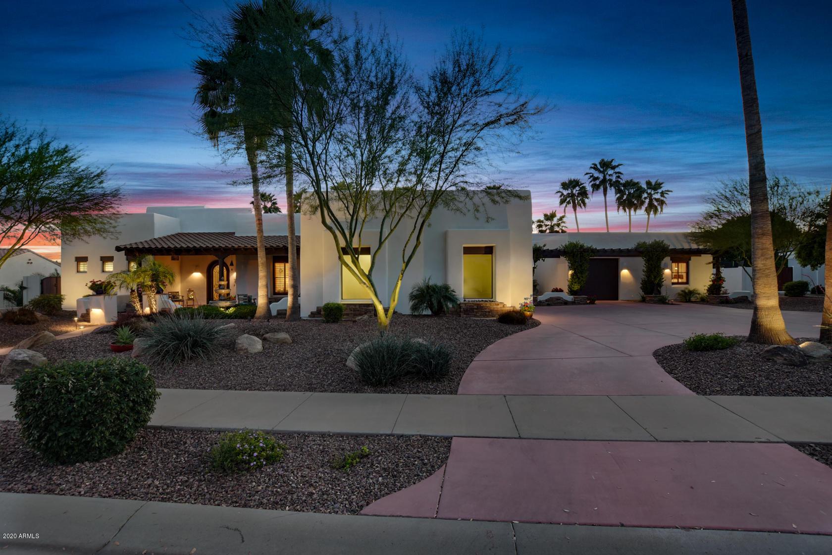 Photo of 310 N CLOVERFIELD Circle, Litchfield Park, AZ 85340