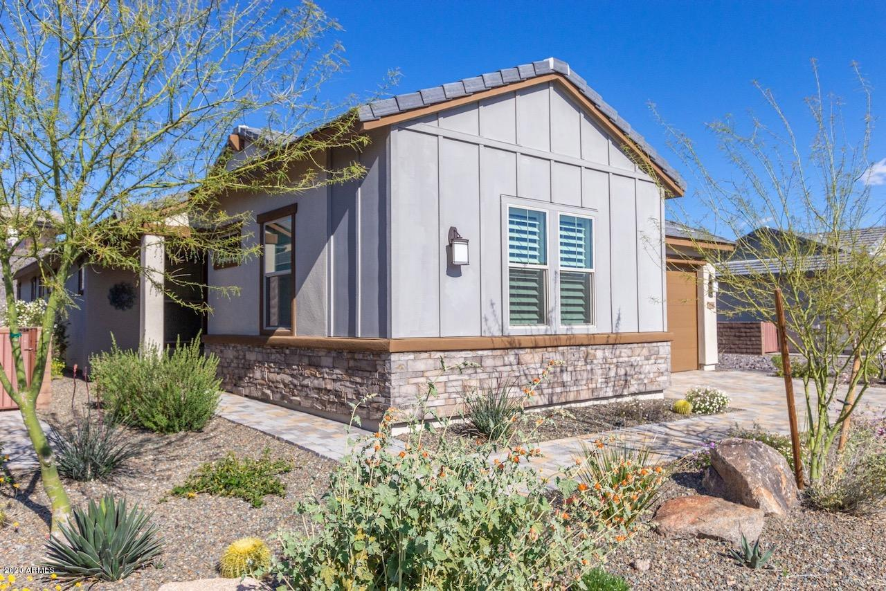 Photo of 3896 GOLDMINE CANYON Way, Wickenburg, AZ 85390