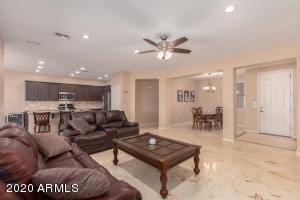1552 E LARK Street, Gilbert, AZ 85297