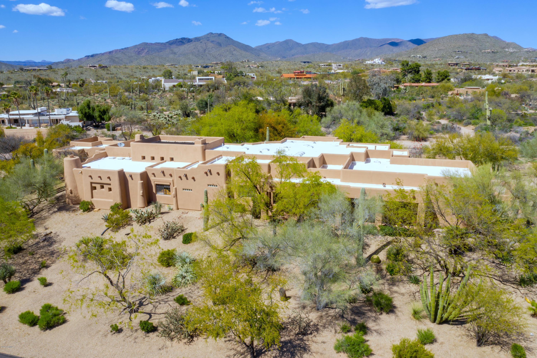 Photo of 8630 E SHORT PUTT Place, Carefree, AZ 85377