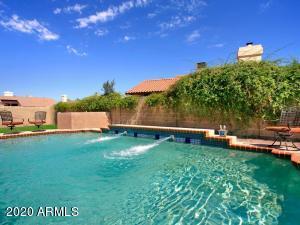 6044 W PARADISE Lane, Glendale, AZ 85306