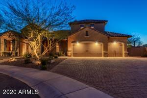6768 W LUCIA Drive, Peoria, AZ 85383