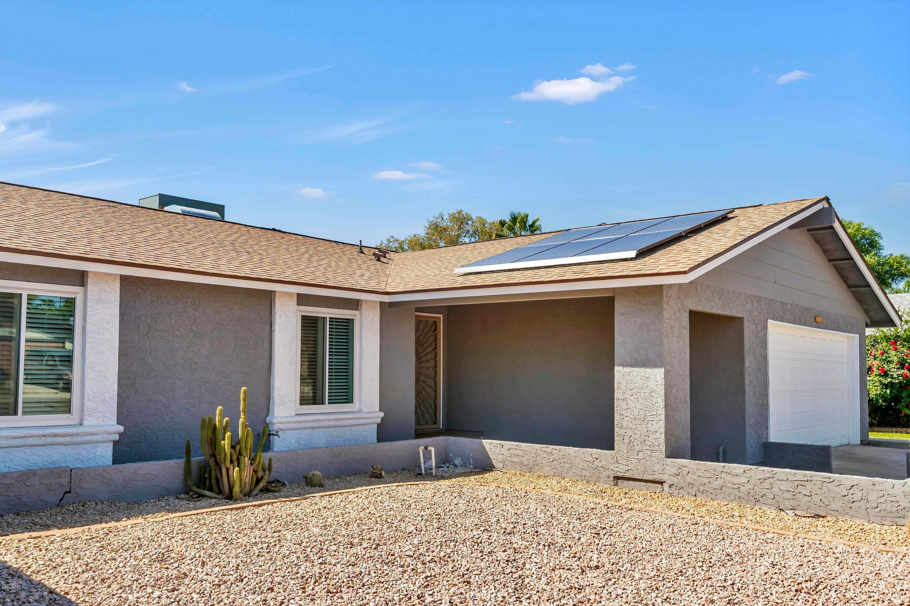 Photo of 407 W SHAWNEE Drive, Chandler, AZ 85225