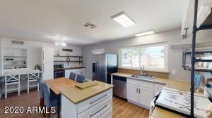 2212 W BENTRUP Street, Chandler, AZ 85224