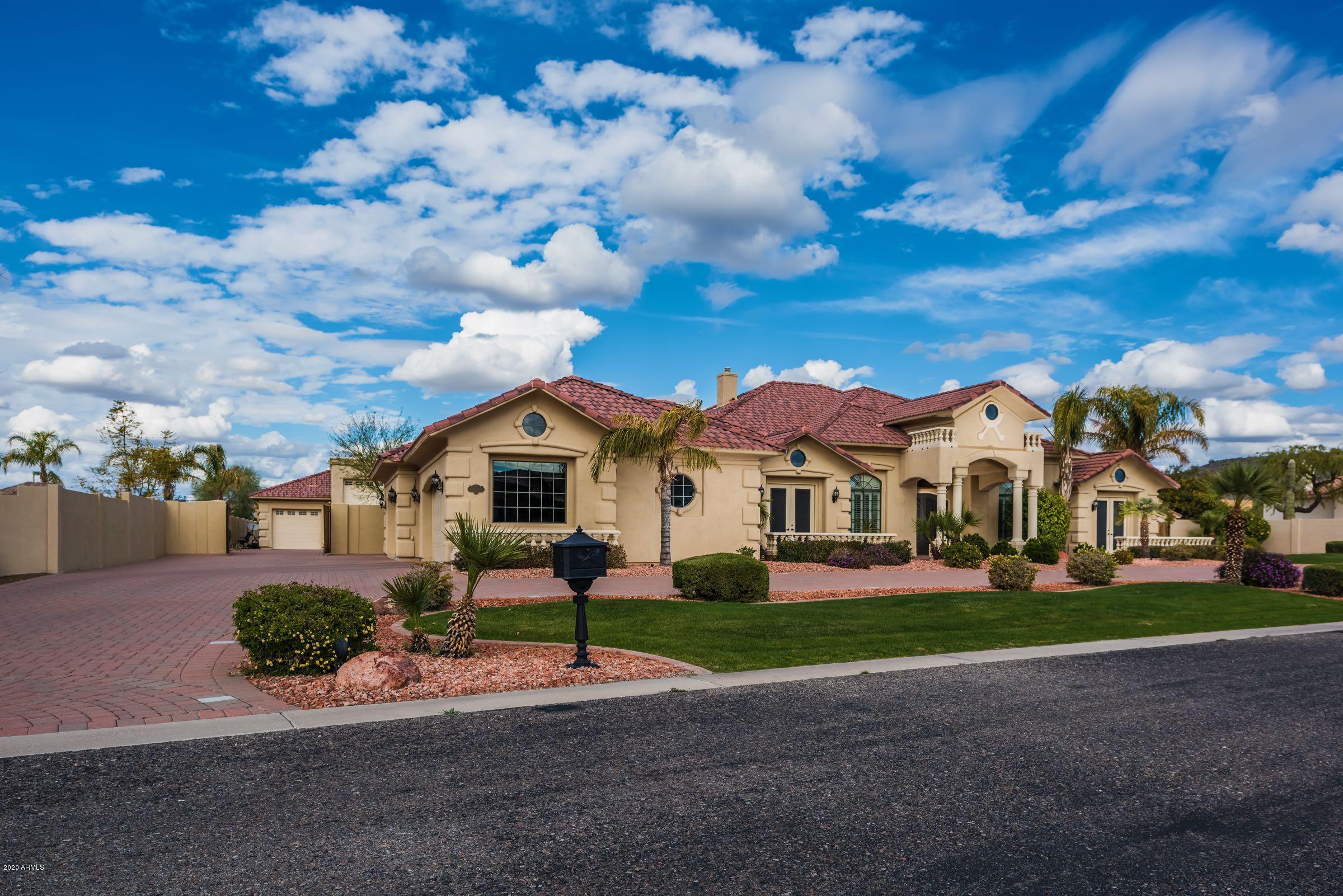 Photo of 6654 W Vista Bonita Drive, Glendale, AZ 85310