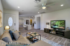 VIRTUAL STAGED LIVING/DINNING