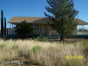 8965 E CHIPPEWA Street, Hereford, AZ 85615