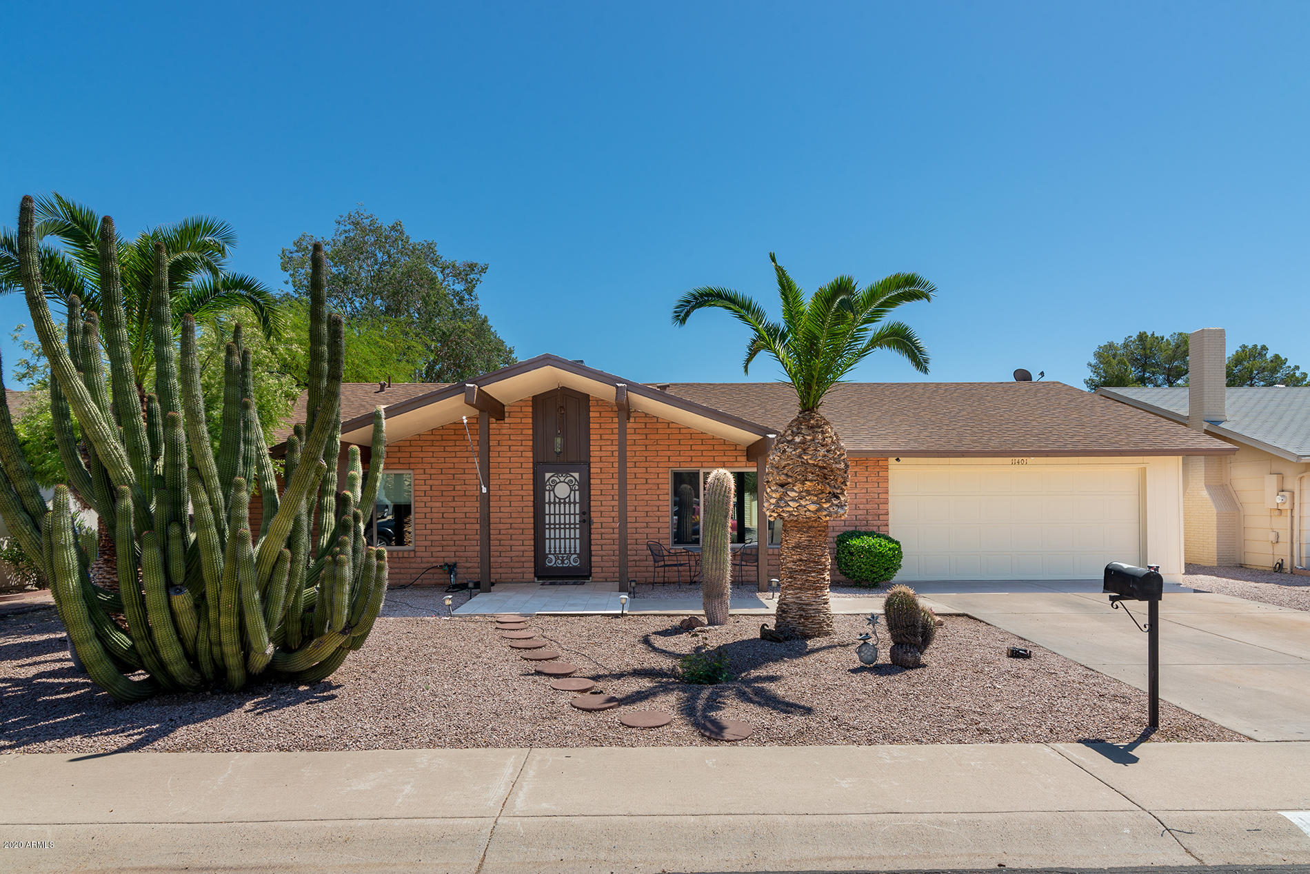 Photo of 11401 S SHOSHONI Drive, Phoenix, AZ 85044