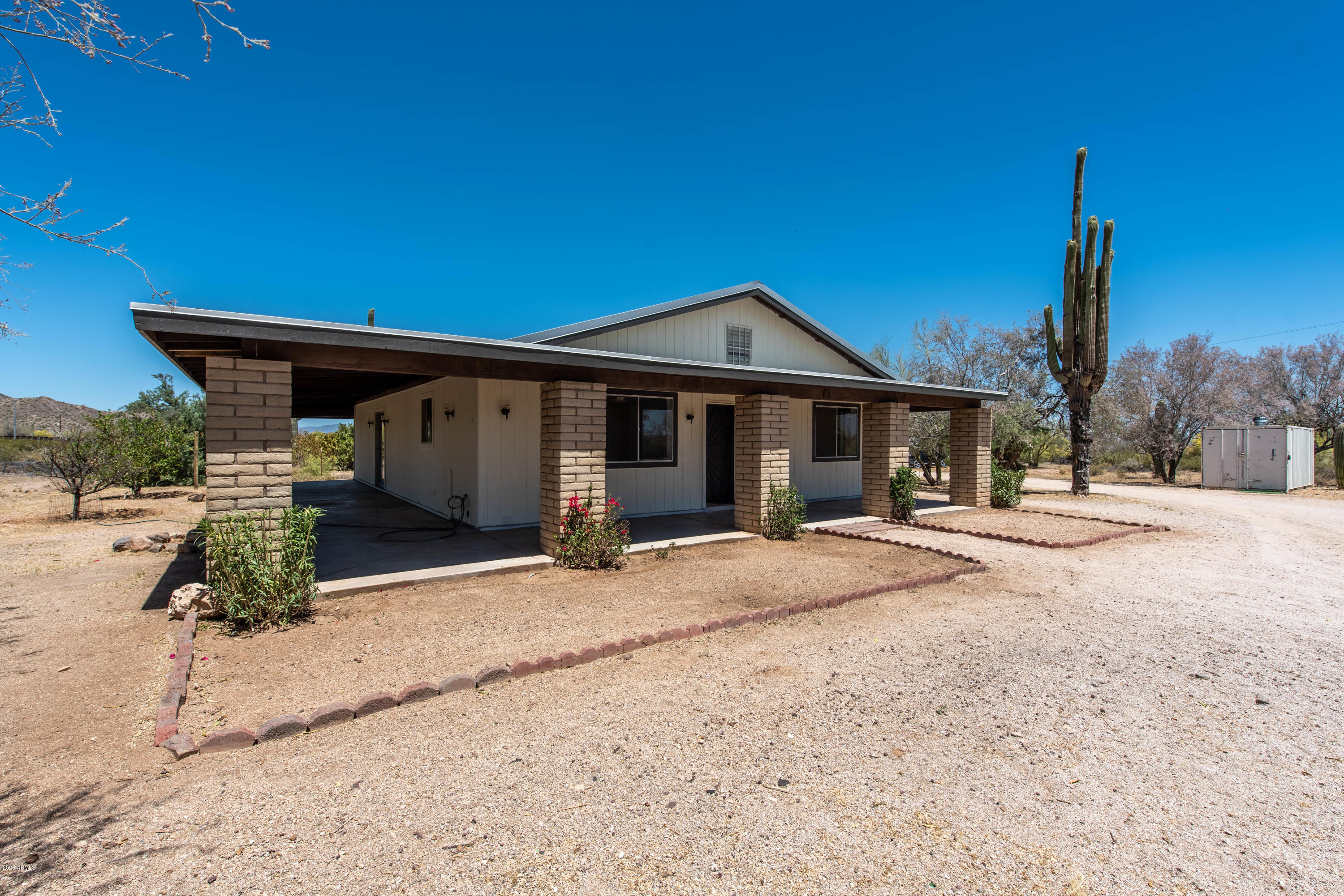 Property for sale at 747 S Hidden Valley Road, Maricopa,  Arizona 85139
