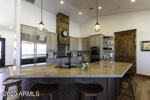 6830 E LOWDEN Drive, Scottsdale, AZ 85266