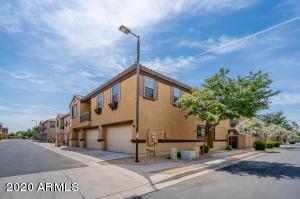 8171 W LYNWOOD Street, Phoenix, AZ 85043