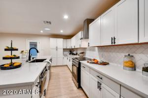 817 W GALVESTON Street, Chandler, AZ 85225