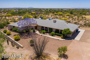 2323 E GREASEWOOD Street, Apache Junction, AZ 85119