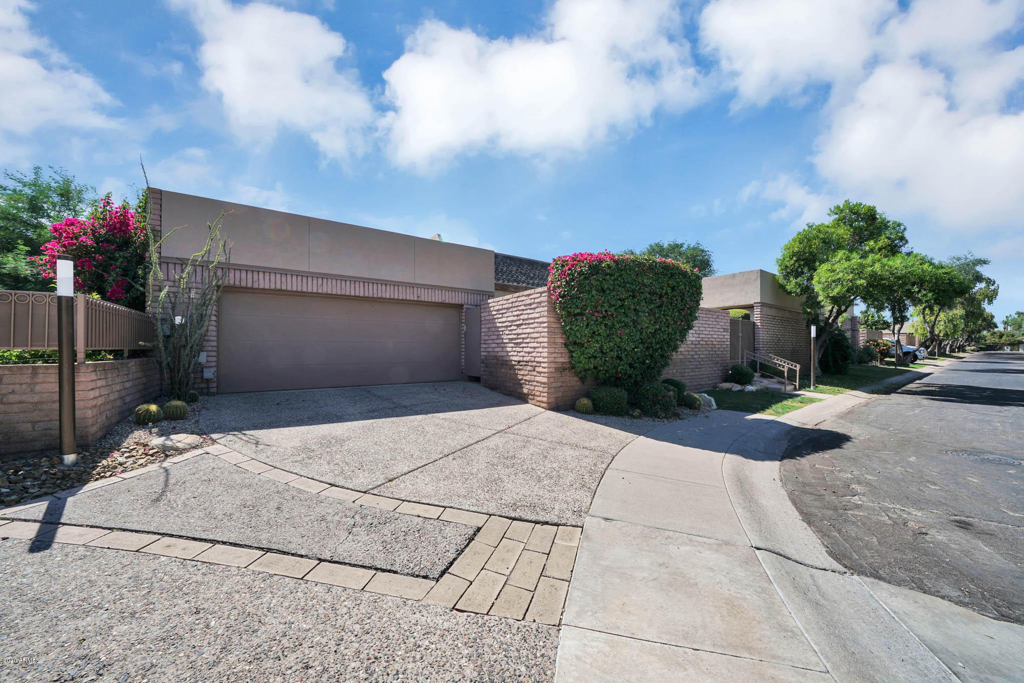 Photo of 7044 N 11TH Drive, Phoenix, AZ 85021