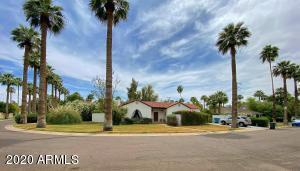 1817 Palmcroft Way NE, Phoenix, AZ 85007