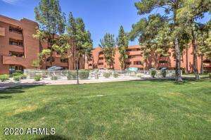 12212 N PARADISE VILLAGE Parkway S, 304, Phoenix, AZ 85032