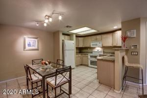 10410 N CAVE CREEK Road, 1110, Phoenix, AZ 85020