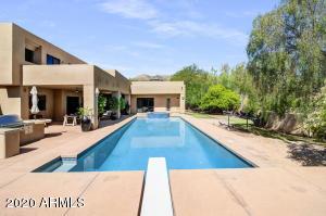 8040 N RIDGEVIEW Drive, Paradise Valley, AZ 85253